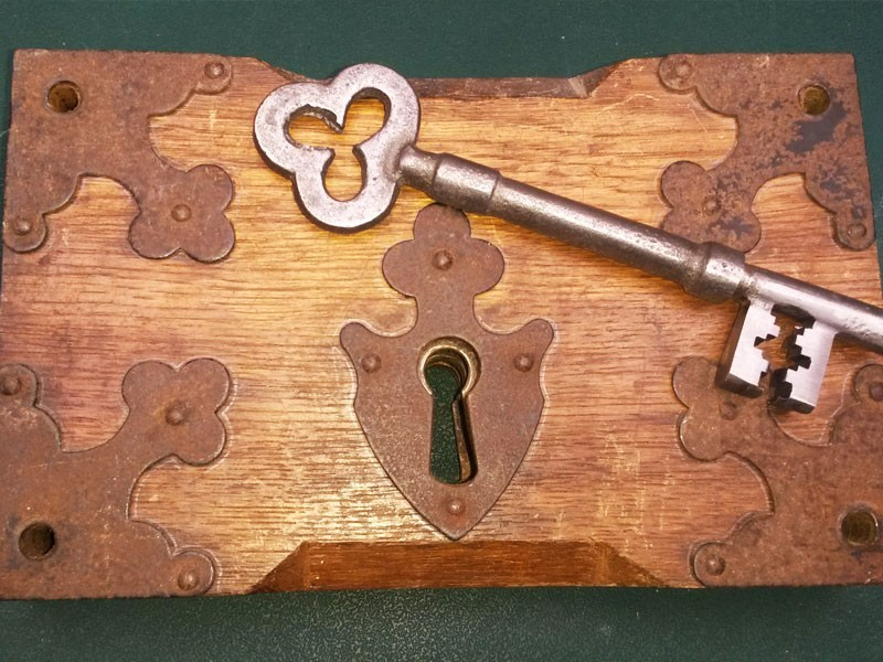 Old-style church keys